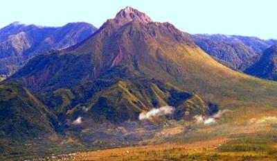 Foto Gunung Selawah Agam di Aceh Besar
