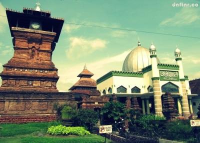 Gambar Masjid Menara Kudus